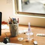 Cách chọn và chăm sóc cây cảnh trong phòng làm việc