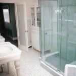 Vách tắm kính và những ưu điểm tuyệt vời